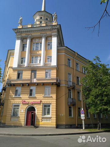 Продается двухкомнатная квартира за 6 100 000 рублей. Комсомольского канала наб д.28 лит а.