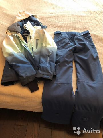 Roxy горнолыжный костюм купить в Москве на Avito — Объявления на ... 90731796aa6