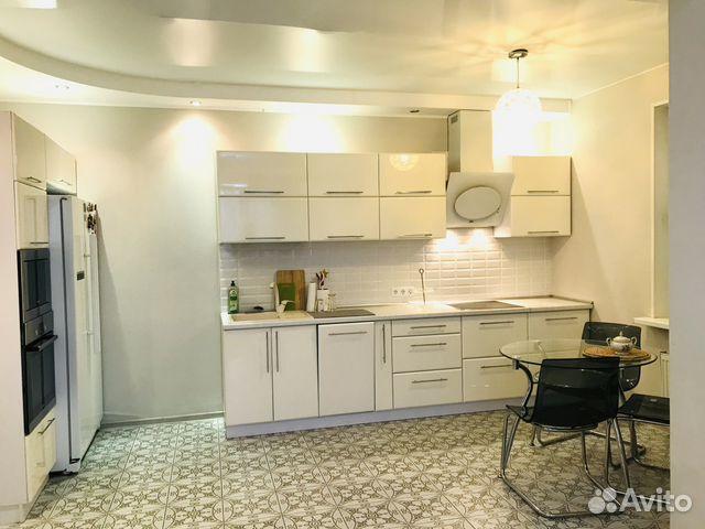 Продается трехкомнатная квартира за 9 400 000 рублей. Почтовая улица, 16.