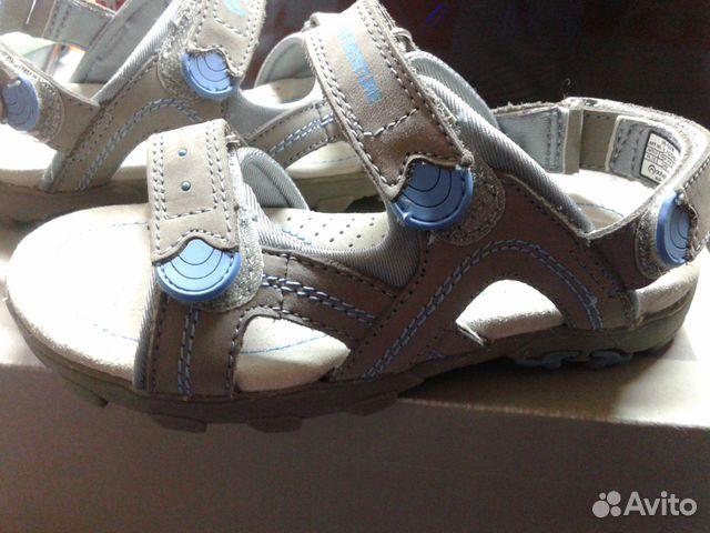 Продам новые сандалии