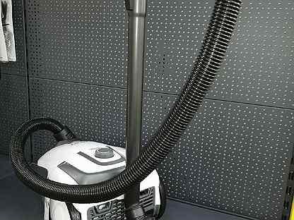 Пылесос сухой уборки Karcher VC 2 Premium