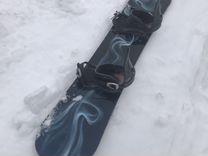 Сноуборд с креплениями