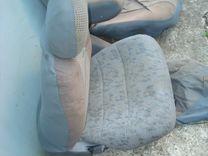 Сиденья передние на Nissan Serena I (C23)